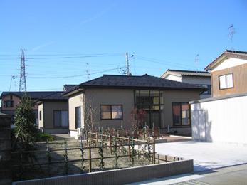 これからも長く住んでいきたい家なので雨漏りの心配のない屋根になり大満足です。